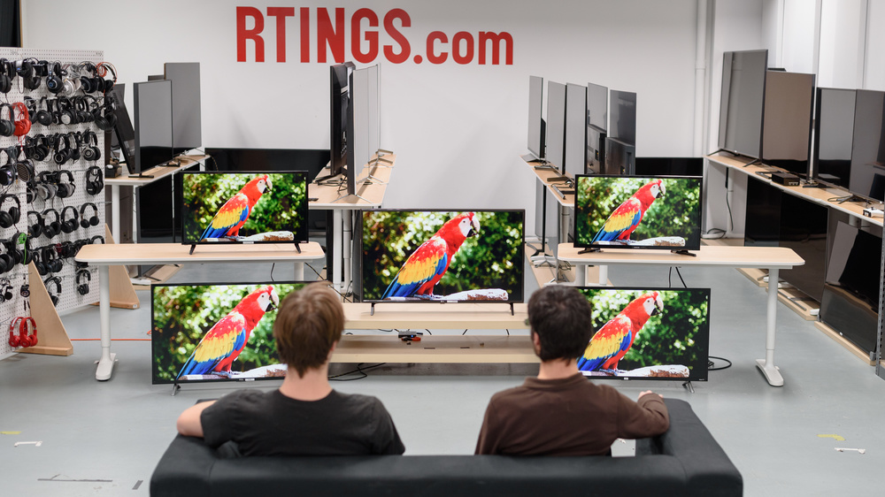 Best Small Tv 2019 The 6 Best Small TVs   Summer 2019: Reviews   RTINGS.com