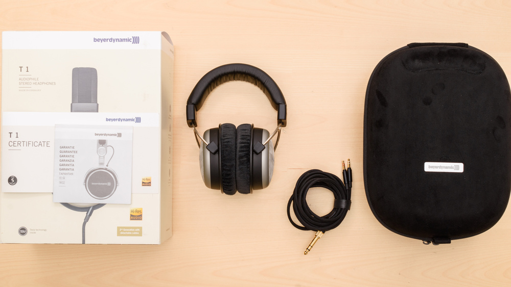 Beyerdynamic T1 2nd Generation 2016 In the box Picture