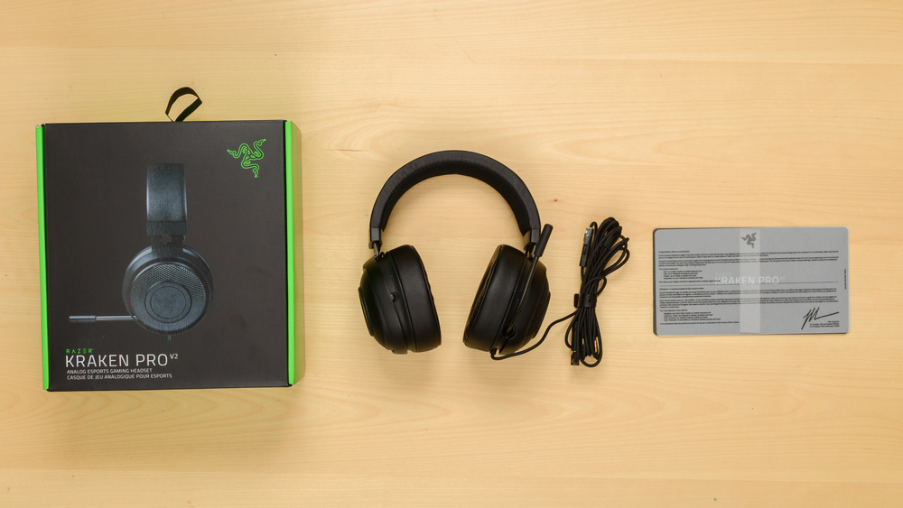 Razer Kraken Pro V2 In the box Picture