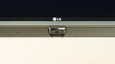 LG UJ7700 Controls Picture
