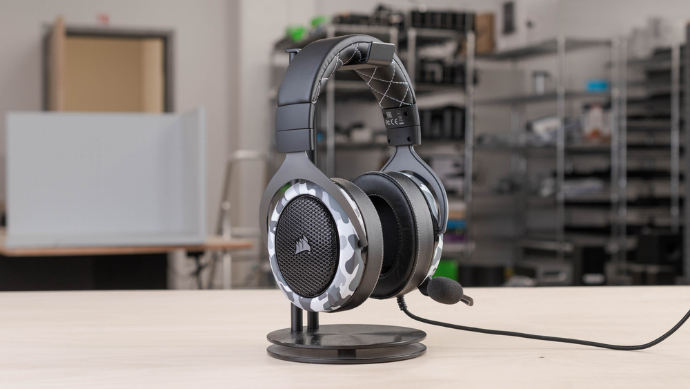 Corsair HS60 HAPTIC Stereo Gaming Headset Picture