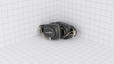 Bowers & Wilkins P7 Portability Picture