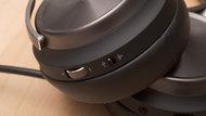 Corsair Virtuoso RGB Wireless SE Controls Picture