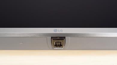 LG UK7700 Controls Picture