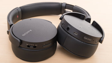 Sony MDR-XB950N1 Controls Picture
