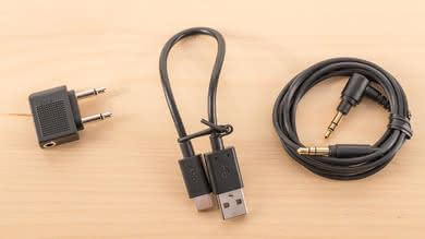 Sony WH-1000XM3 Cable Picture