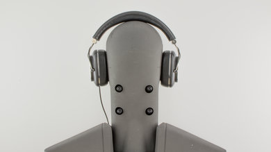 Bowers & Wilkins P7 Rear Picture