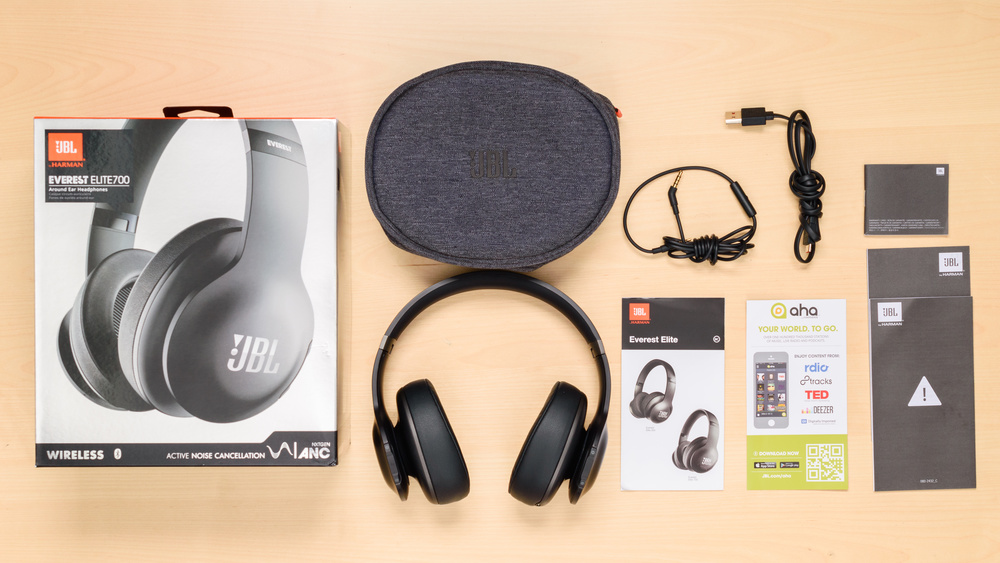 JBL Everest Elite 700  In the box Picture
