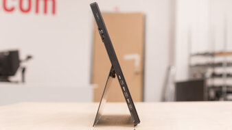 ASUS ProArt PA148CTV Thickness Picture