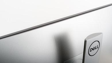 Dell U3219Q Build Quality picture