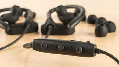 Anker SoundBuds Curve Controls Picture