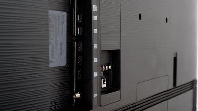 Samsung RU7100 Side Inputs Picture
