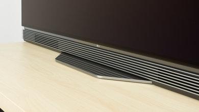 LG E6 Stand Picture
