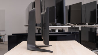 Dell Alienware AW2521HF Thickness Picture