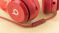 Beats Solo 2 Wireless Controls Picture