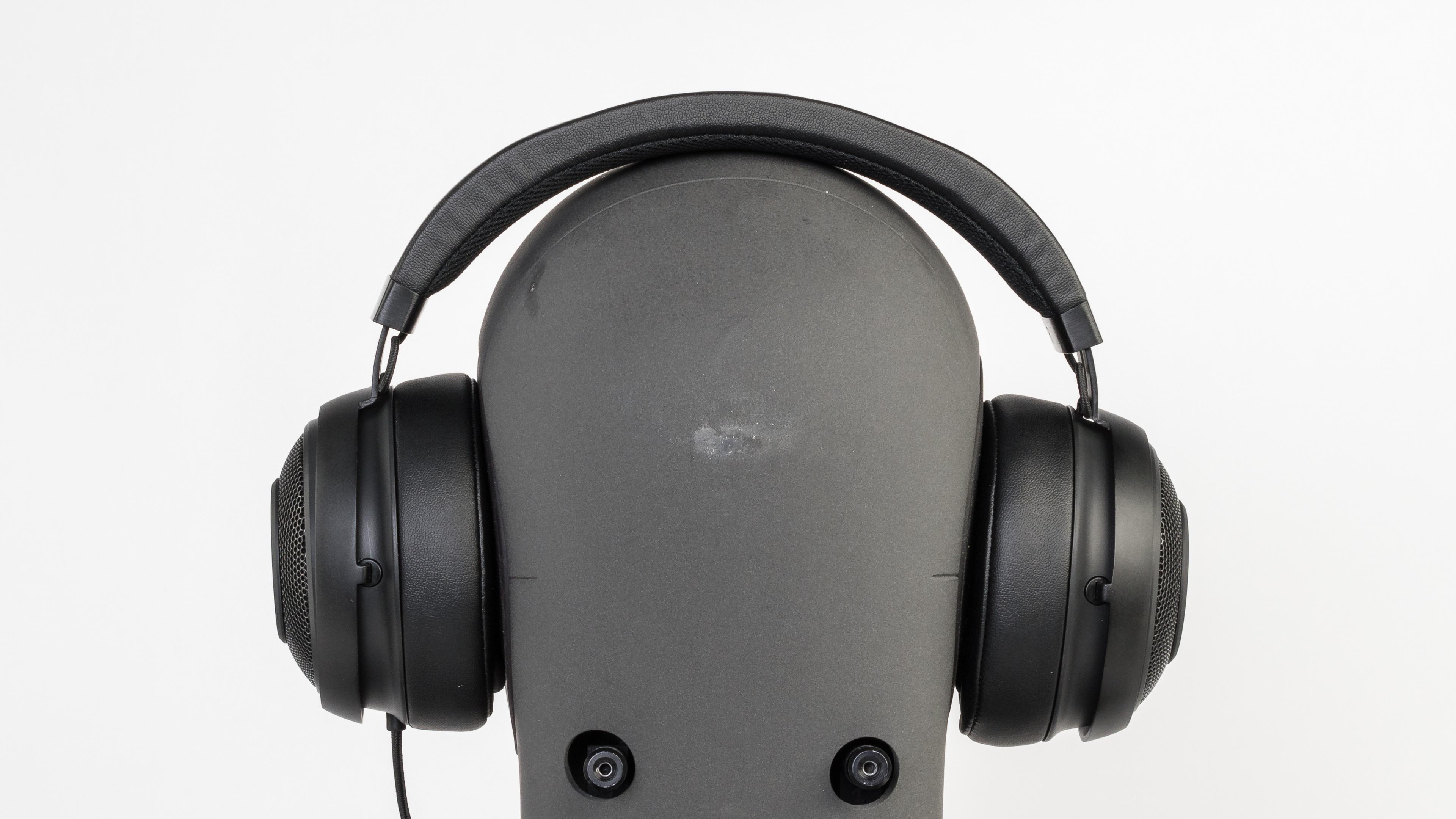Razer Kraken Pro V2 Review Black Analog Gaming Headset Stability Picture