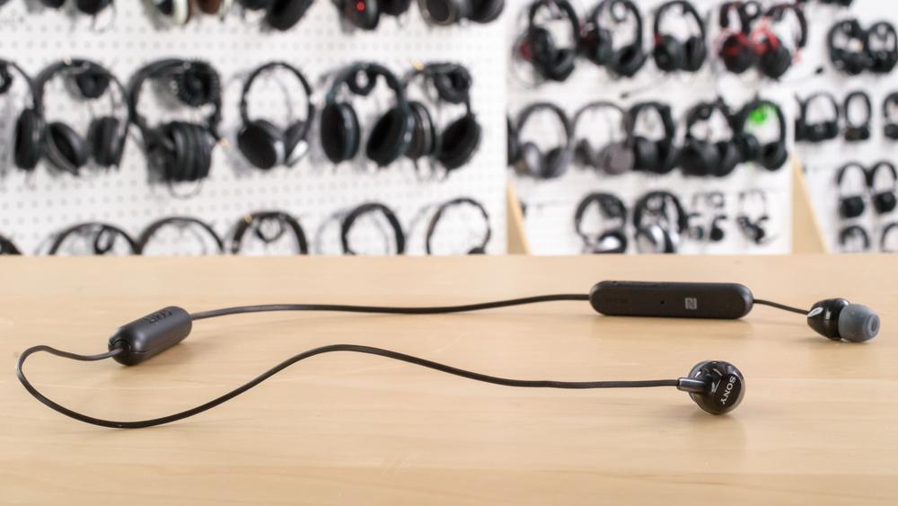 Sony WI-C300 Design Picture