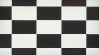 HP OMEN 27i Checkerboard Picture