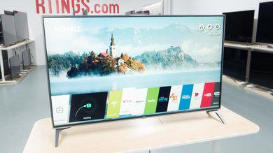 LG UJ7700 Design