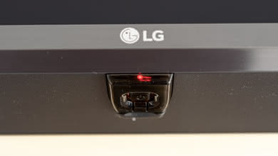 LG UK6570 Controls Picture