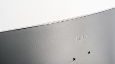 Samsung CF398 Build Quality picture