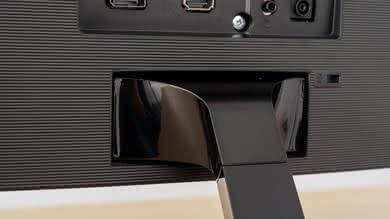Samsung CF398 Ergonomics picture