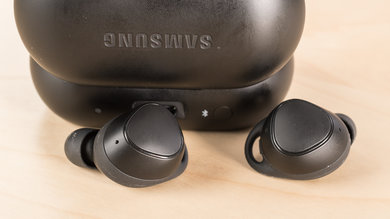 Samsung Gear IconX Controls Picture