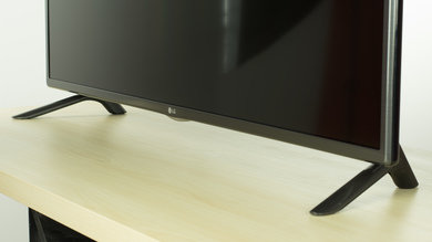 LG LF5800 Stand Picture