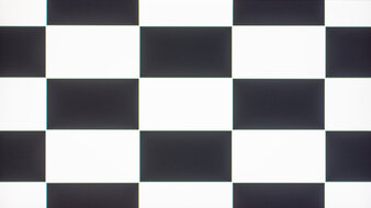 LG 32GN50T-B Checkerboard Picture