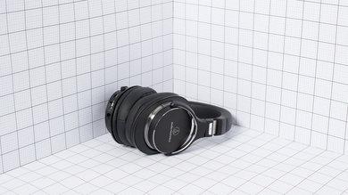 Audio-Technica ATH-MSR7NC Portability Picture