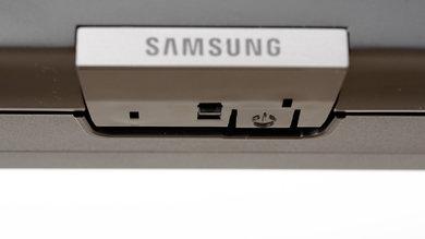 Samsung RU7100 Controls Picture