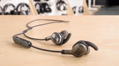 571b83aa17c Beats BeatsX Wireless vs JBL Everest 110 Wireless Side-by-Side ...