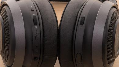 Razer Nari Ultimate Wireless Controls Picture