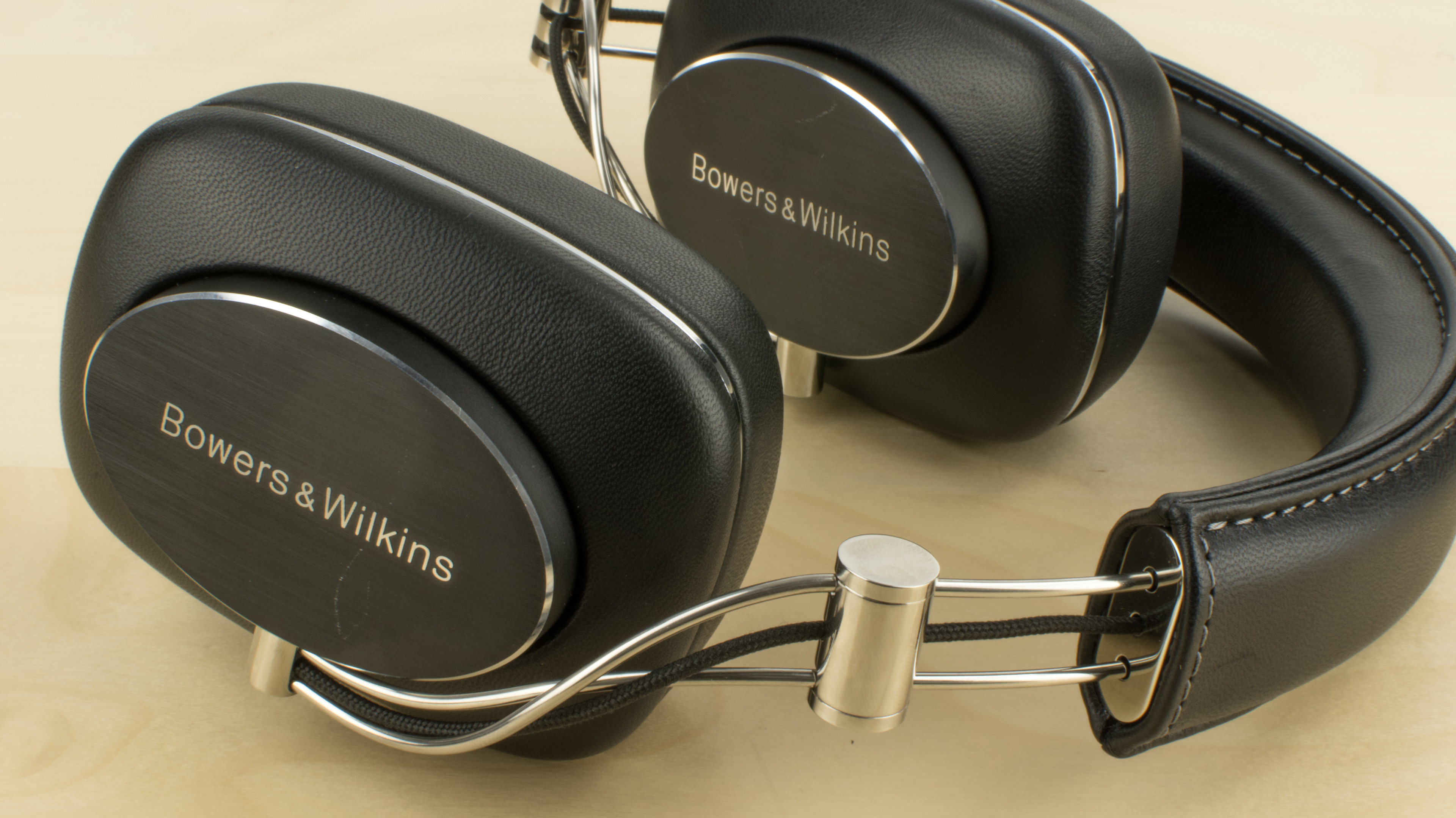 bowers wilkins p7 b w p7 review. Black Bedroom Furniture Sets. Home Design Ideas