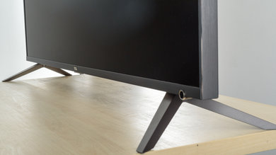TCL R617 Stand Picture