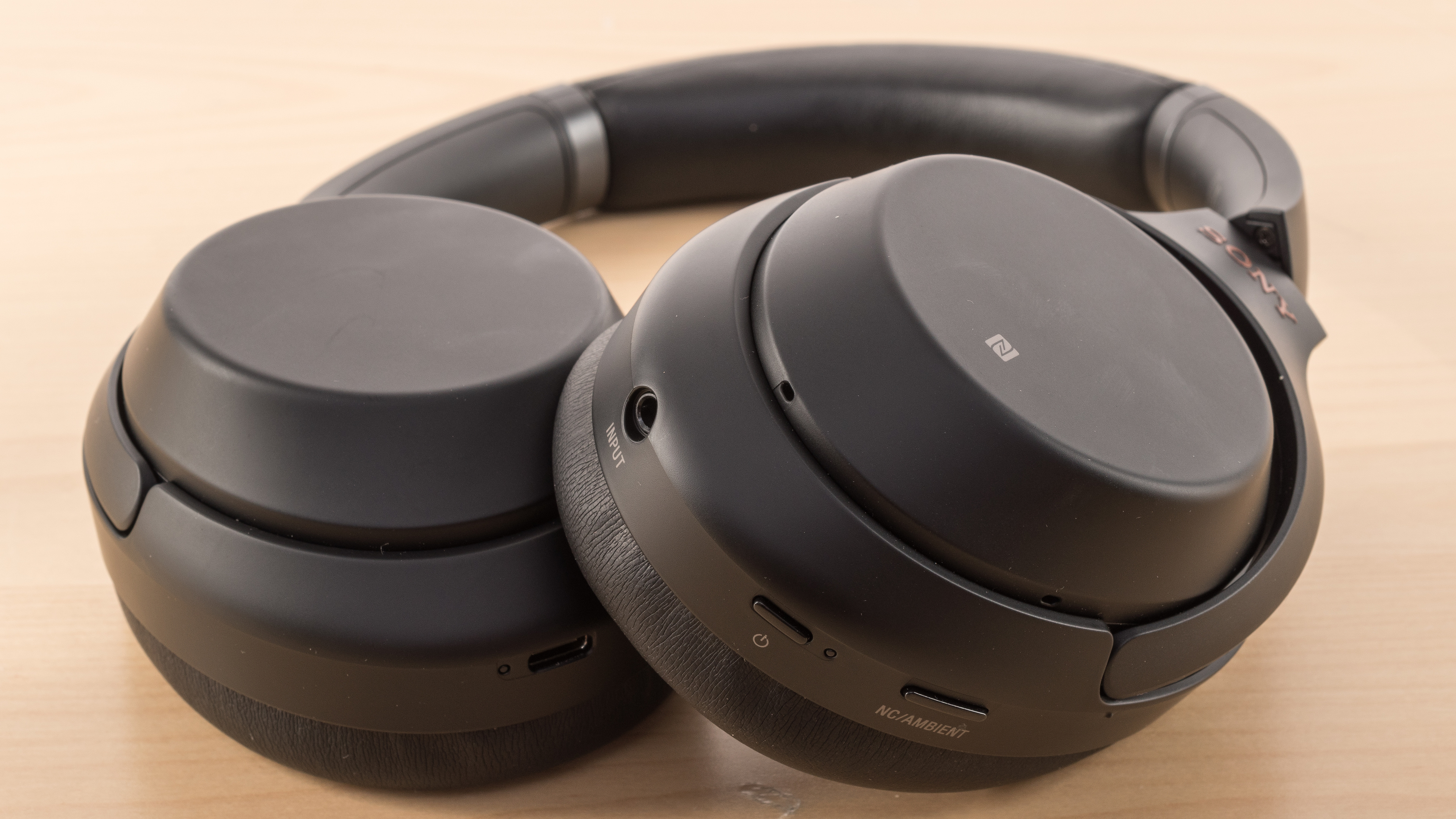 Sony Wh 1000xm3 Review Headphone Jack Wiring A Pair Of Controls Picture