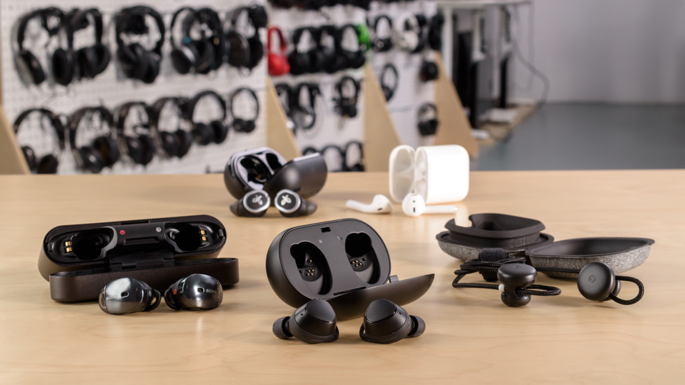 Samsung Gear IconX Compare Picture