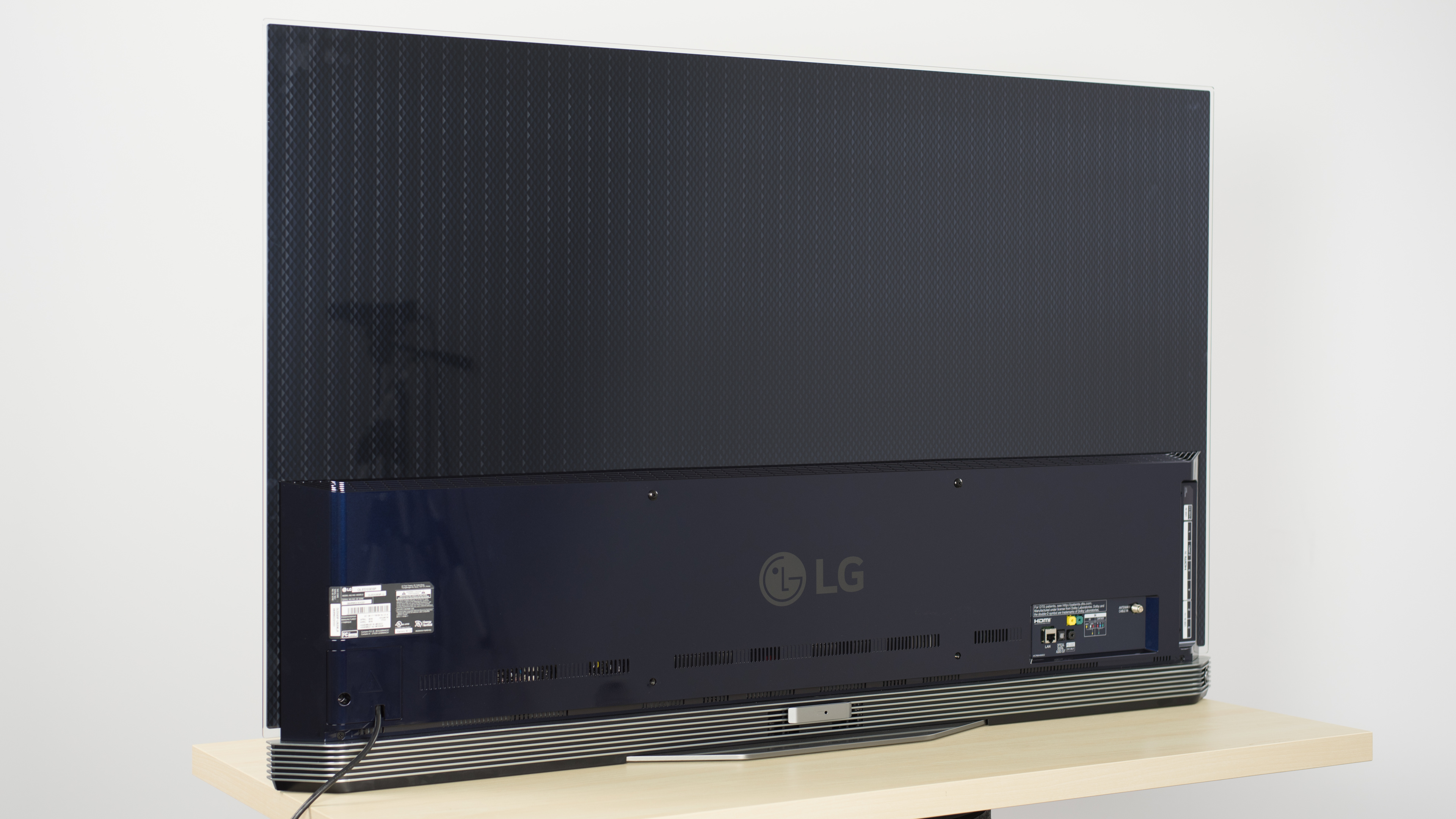 Lg E6 Oled Review Oled55e6p Oled65e6p Rtings Com