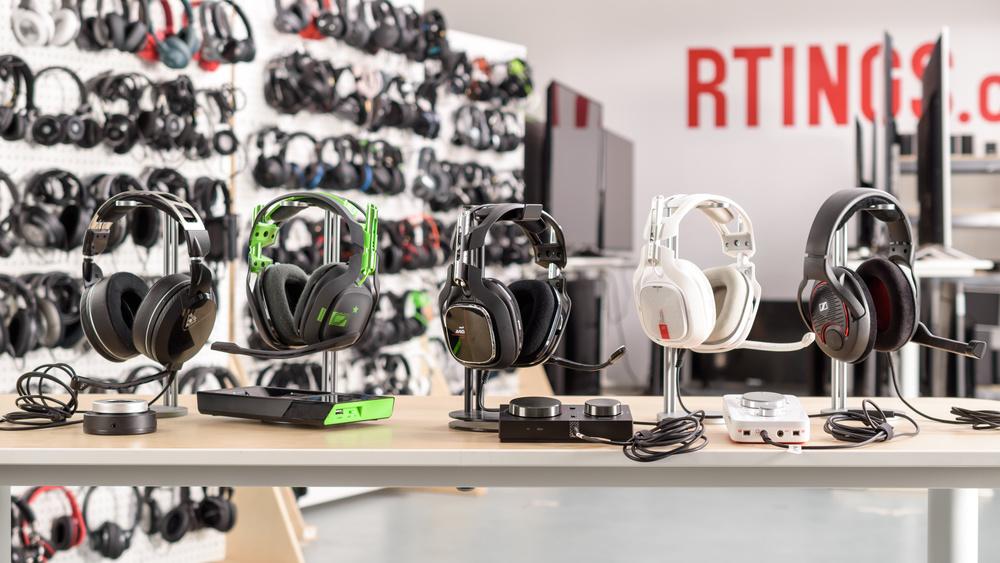 Astro A40 TR Headset + MixAmp Pro 2019 Compare Picture