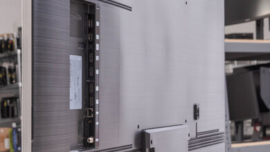 Изображение боковых входов Samsung Q900TS 8k QLED