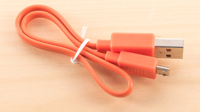 JBL Endurance Dive Wireless Cable Picture
