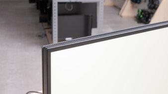 Dell UltraSharp U2720Q Borders Picture
