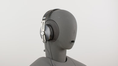 Sennheiser Momentum 2.0/HD1 Over-Ear Angled Picture
