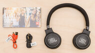 JBL Live 460NC Wireless In The Box Picture