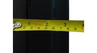 LG LA6200 Thickness