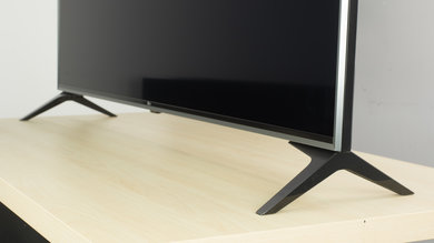 LG UJ7700 Stand Picture