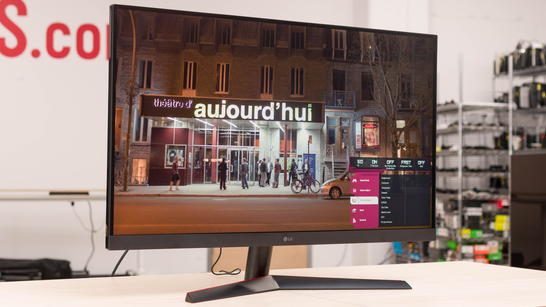 LG 32GN600-B Picture