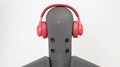 Bose SoundLink Around-Ear II vs JBL E55BT Side-by-Side Comparison ... 2fed0cf4e3f5