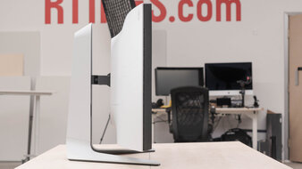 Dell Alienware AW3821DW Thickness Picture