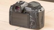 Canon EOS R Build Quality Picture